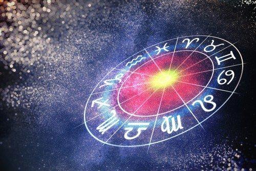 Astrologie: Foto: © vchal / shutterstock / #670616398